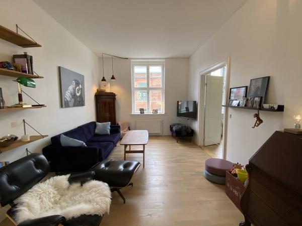 Frederiksberg leje lejlighed lejelejlighed svømmehal frederiksberg centret falkoner alle rådhus Frederiksberg have 3v