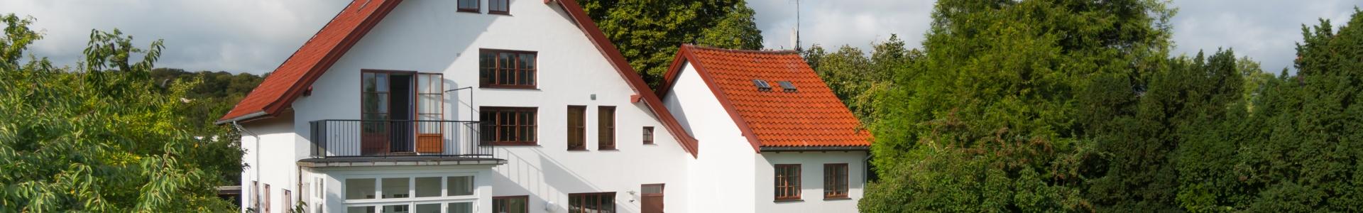 Villa mondæn ejendom Rungsted Kyst havn station hegn golf Kokkedal slot Rungstedlund bytorv midtpunkt hørsholm transport terrasse altan herskabsvilla hus pragtvilla rummelig lysindfald Bukkeballevej gamle Rungsted