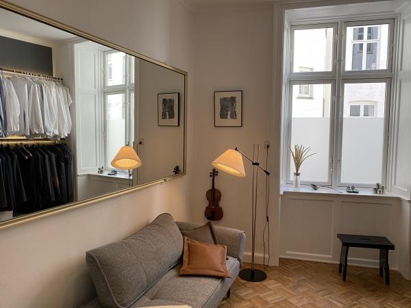 Leje lejlighed lejelejlighed søerne 5v rustik moderne rustik lækker torvehallerne nørreport kbh k møbleret