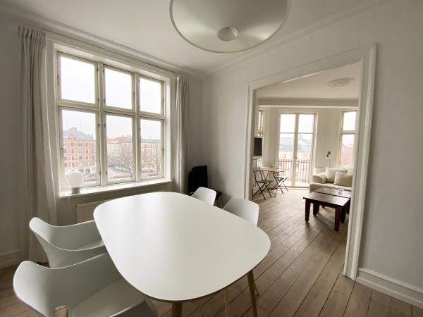 Frederiksberg frb kbh københavn leje lejelejlighed bopæl lejebolig bolig city svømmehal svømmehalskvarteret comfort housing center frederiksberg centeret godthåbsvej