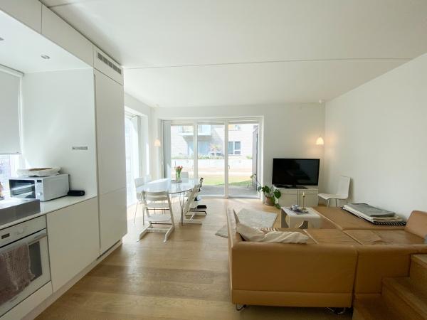 Amager Strandpark Strandlodsvej 25F 5V rækkehus lys tagterrasse stueplan åbent køkken 2 badeværelser